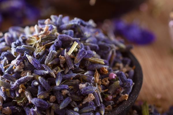 Dried lavender potpourri