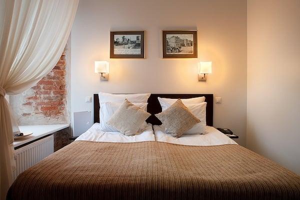 Bedroom Feng Shui for Better Sleep: A Beginner\'s Guide