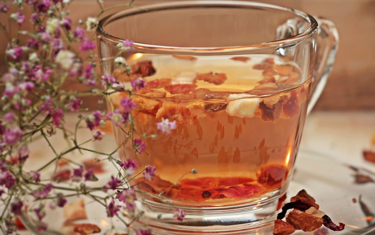 Chamomile-tea-help-sleep