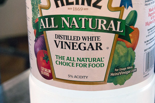 Natural cleaning white vinegar