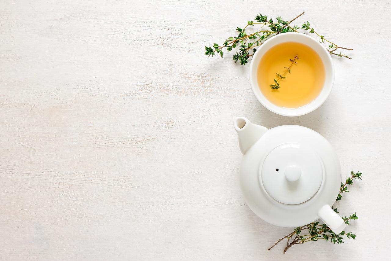 drinking-tea-coffee-pregnancy-sleep